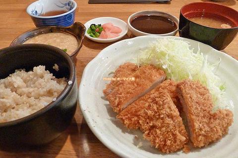 とろろ付き玄米ごはん!チキンカツのランチセット「薩摩(さつま)茶美豚(ちゃーみーとん)とんかつ 花」大阪メトロあびこ駅