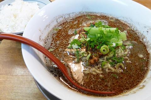 香ばしいゴマの風味が至高!黒ごま担々麺のランチセット「まるたん」大阪メトロあびこ駅