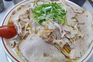 チャーシューのボリュームがすごい!絶対に食べたい老舗店の超人気ラーメン「ゆうらい」JR茨木駅