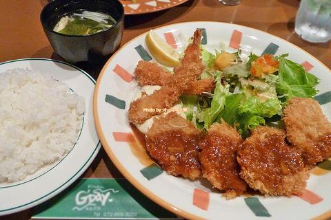ランチで味わうヒレカツとエビフライのセット「グッデイ(G'Day)」京阪(けいはん)樟葉駅(くずはえき)