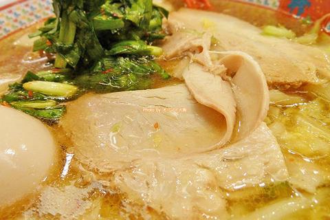 白菜のうま味がたっぷり!煮玉子おいしいラーメン「神座(かむくら)道頓堀店」大阪メトロなんば駅