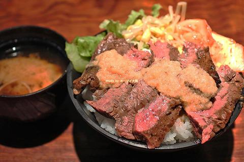 人気のランチメニュー!裏なんばの焼肉店で味わうハラミステーキ丼「富士晃(ふじあき)」大阪メトロなんば駅