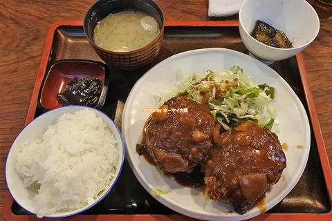 なんばこめじるしの名店!ホウレンソウと豆乳のコロッケ定食「ダイニングステージ 佐海屋(さかいや)」大阪メトロなんば駅