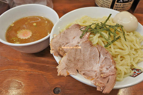トッピングはチャーシューと味玉!大盛り特製つけ麺「玉五郎 難波店」大阪メトロなんば駅