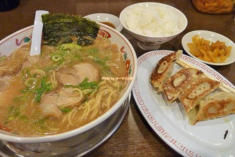 濃厚な味わいがクセになる激戦区の和歌山ラーメン「あじゅち屋」大阪メトロ西田辺駅
