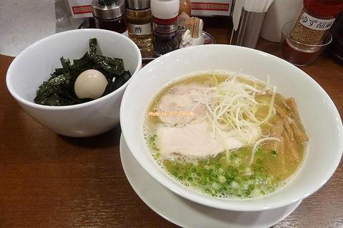 濃厚白湯の塩ラーメン!ランチ限定の味玉ごはんセットがお得「風見鶏」大阪メトロ西田辺駅