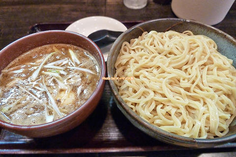 ランキング1位の味!超人気ラーメン店の味噌つけ麺「麺屋 彩々(さいさい)」大阪メトロ昭和町駅