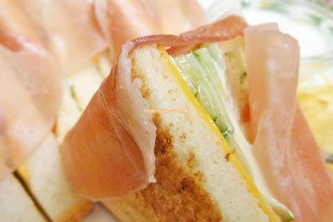 生ハムのサンドイッチが絶品!ウインナーコーヒー付きのお得なセット「蝸牛庵(かぎゅうあん)」大阪メトロ淀屋橋駅
