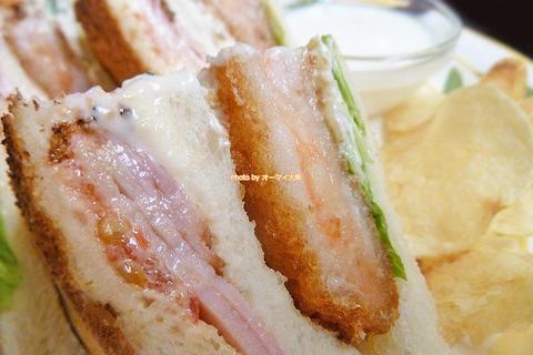 ボリューム満点のドリンク付きセット!海老ベーコンのサンドイッチ「蝸牛庵(かぎゅうあん)」大阪メトロ淀屋橋駅