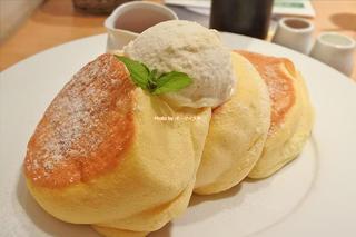 プルプル食感の極上パンケーキ「幸せのパンケーキ 本町店」大阪メトロ本町駅
