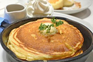 純生クリーム添え窯出しフレンチパンケーキ「Butter(バター)あべのHoop店」大阪メトロ天王寺駅