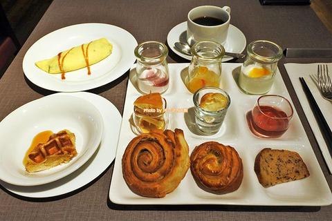 食べ放題の朝食バイキングは味も接客も一流「クインテッサホテル大阪ベイ」朝食ブッフェ付き宿泊レビュー