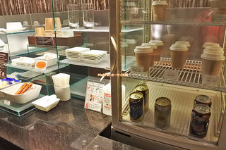専用ラウンジのカクテルタイムはアルコールが無料「ホテルグランヴィア大阪」最上階グランヴィアフロア体験レビュー